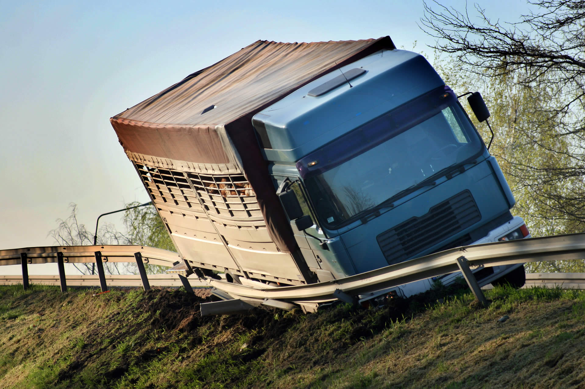 What Causes Semi Truck Accidents